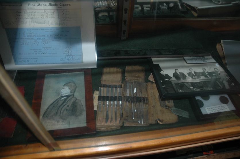 Dr. Davidsons surgical kit from 1777
